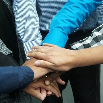 manos unidas